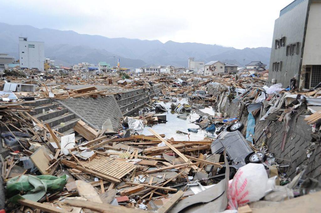 Destrozos de un tsunami
